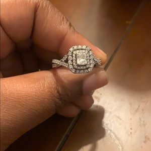Beautiful Wedding Ring for sale!!!